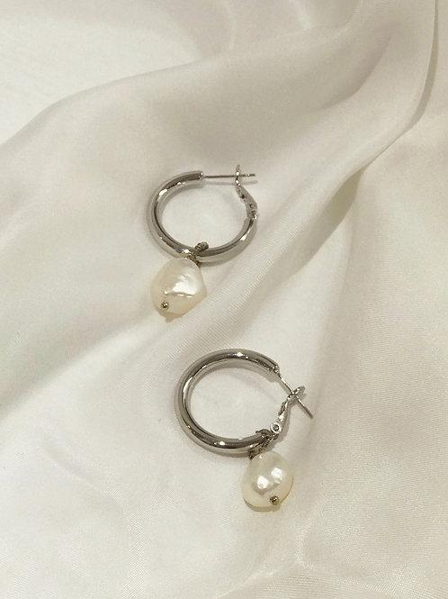 Circle Pearl Earrings Silver