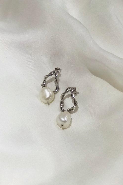 Lock Shape Pearl Earrings Silver