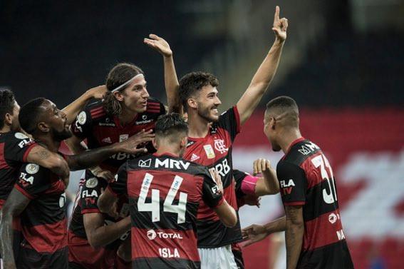 Filipe Luís comemora o gol de Gustavo Henrique. (Foto: Flamengo)