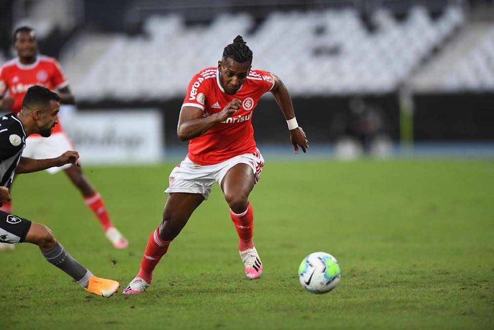 Moisés ajudou o Inter a permanecer líder. (Foto: SCInternacional)