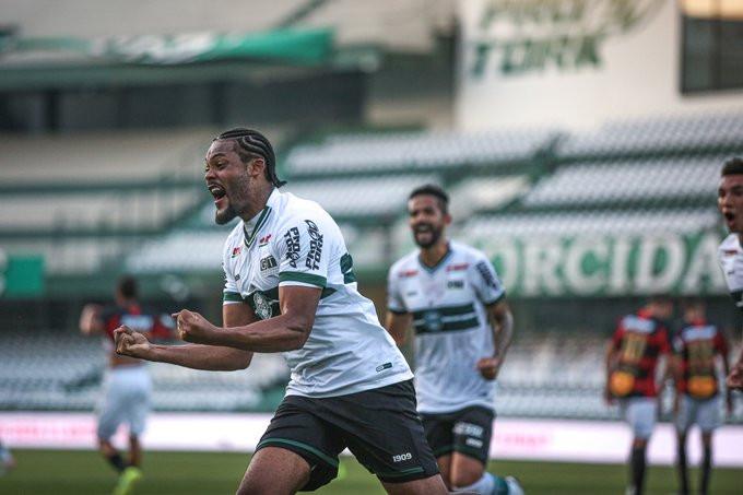 Sabino marca pela segunda vez no Brasileirão. (Foto: Coritiba)