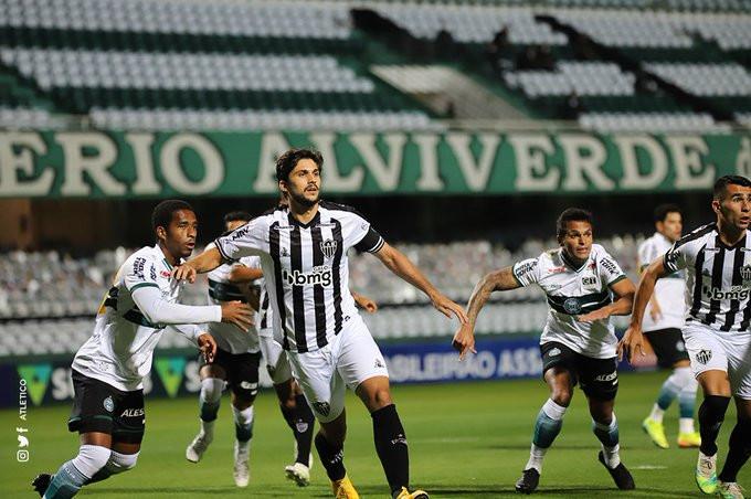 Igor Rabello na bola área. (Foto: Atletico)