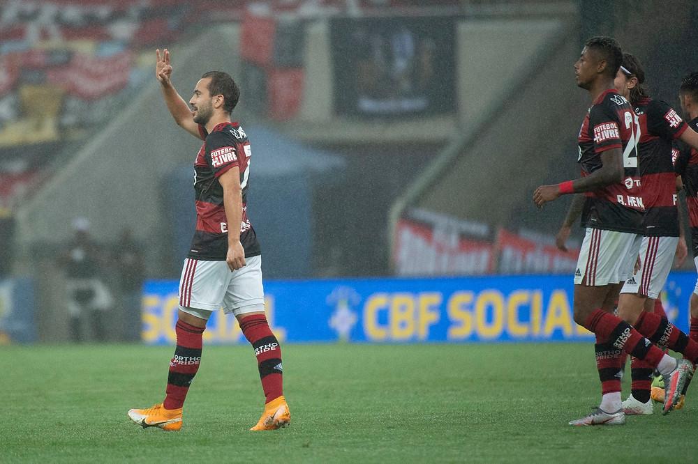 Everton Ribeiro festeja. (Foto: Flamengo)