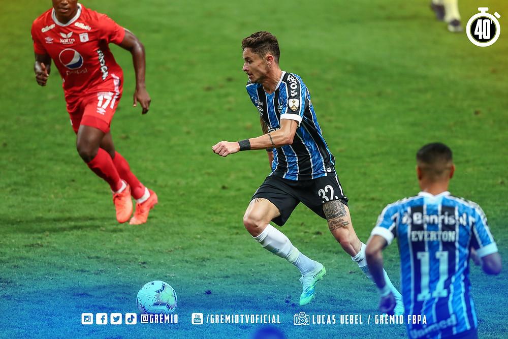 Diogo Barbosa durante a partida contra o América de Cali. (Foto: Grêmio)