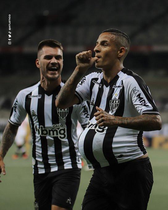 Guilherme Arana comemora seu gol. (@Atletico)