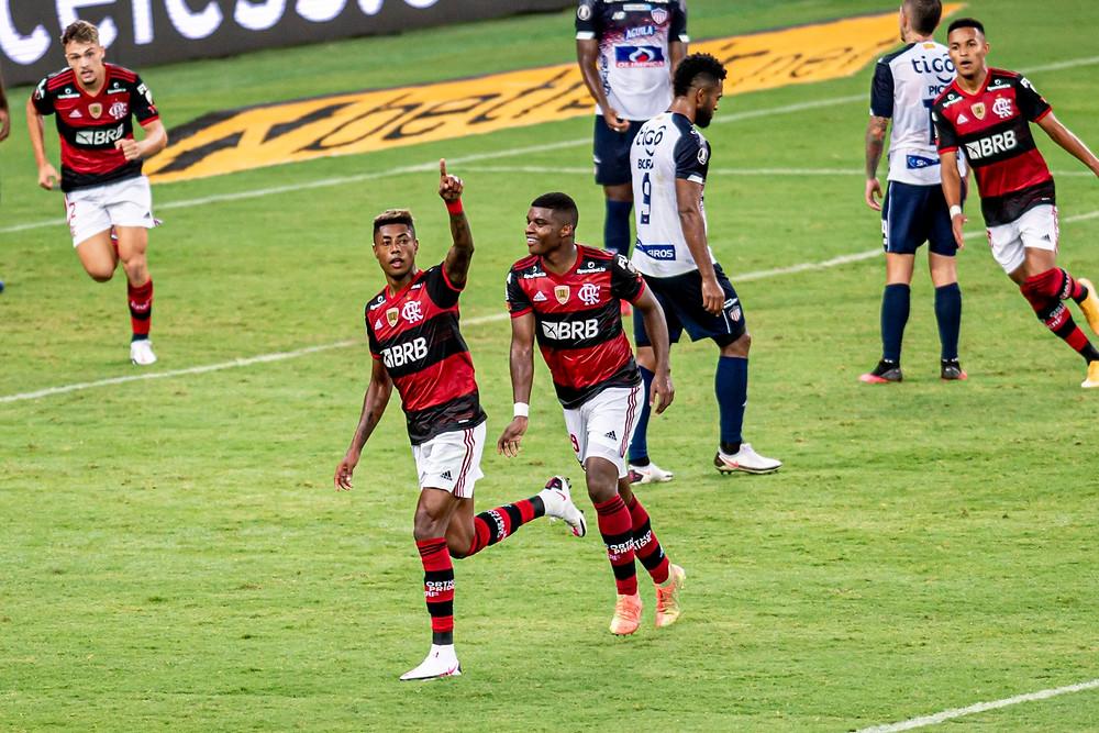 Bruno Henrique comanda o atual campeão na Libertadores. (Foto: Flamengo)