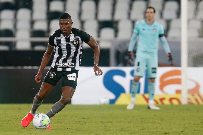 Kanu atuando pelo Botafogo. (Foto: Botafogo