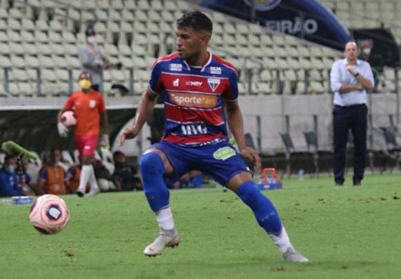Ronald jogando pelo Fortaleza. (Foto: Leonardo Moreira)