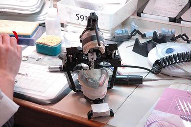 dental-lab-1196675.jpg