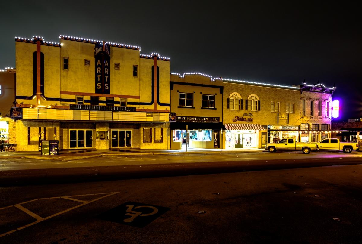 outdoor building lighting