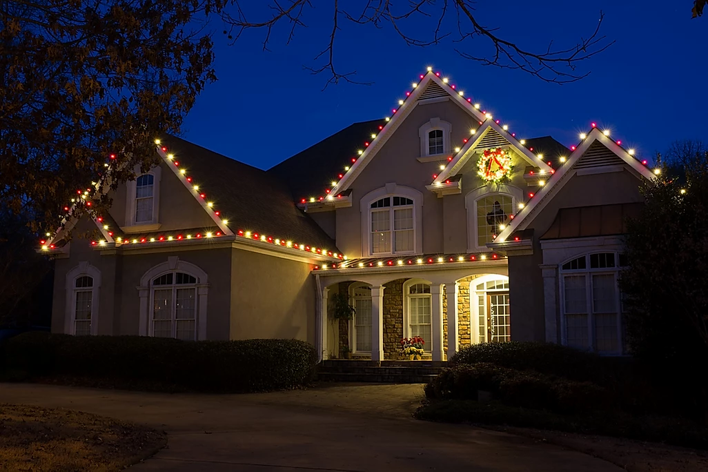 red and white christmas lighting by gga.