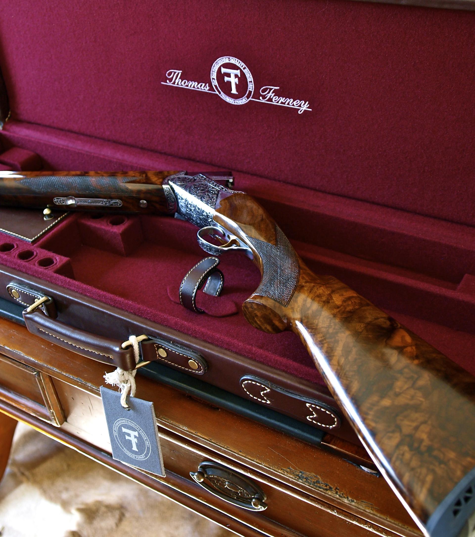 Leather-shotgun-case-on-table