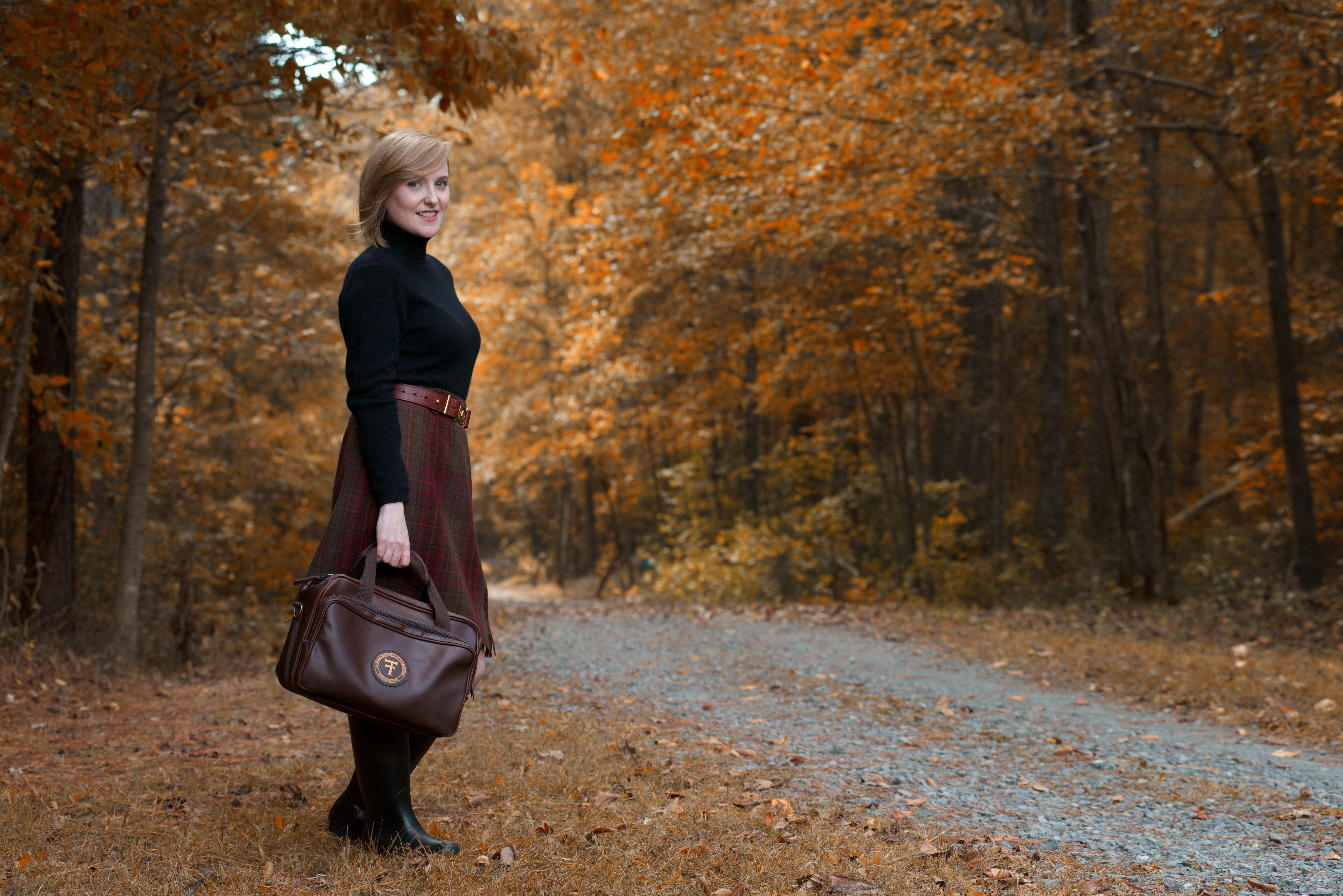 Leather-range-bag-gravel-road
