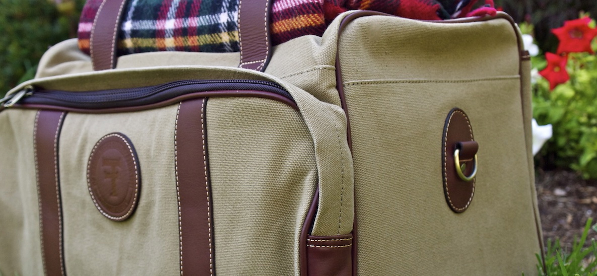 Canvas-travel-bag-and-blanket