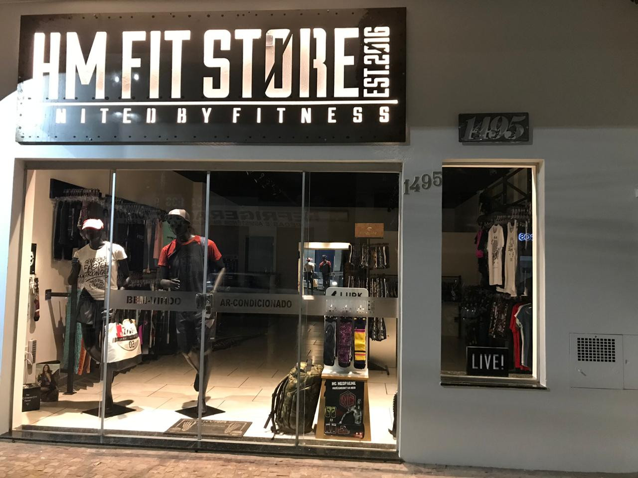 HM FIT STORE.jpg