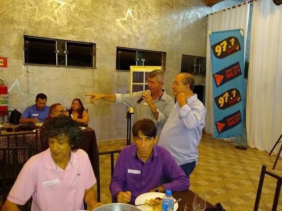Laércio Sevilha , Fernando fuzo e ao fundo Genildo e Toniho de Faveri