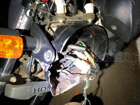 Motociclista sofre escoriações após colidir em cavalo na SP-294