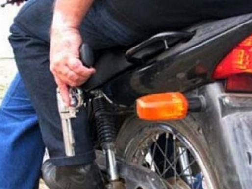 Dupla em moto faz mais um assalto em posto de combustíveis em Tupã