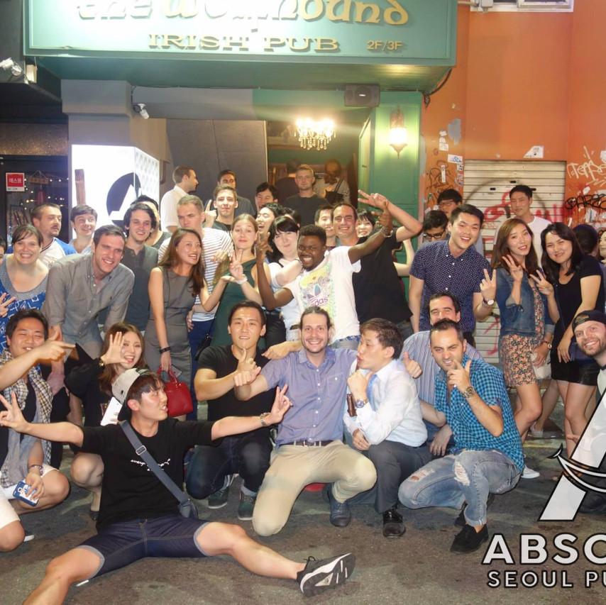 Seoul pub crawl Absolute Korea Hongdae Itaewon Gangnam International Party bar hopping crawlers tours Halloween beer must do language exchange meetup top club fun (11)