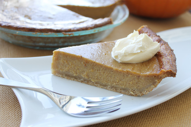 Fresh Pumpkin Pie with Graham Cracker Crust