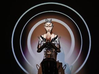 El sacerdocio robótico (La Vanguardia)