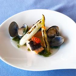 Salmon confit with laver