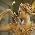 Detail_Diana_Versailles_Louvre_Ma589_edi