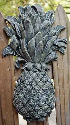 6815M Pineapple Plaque