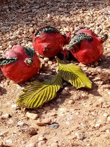 Ceramic fruits and leaves