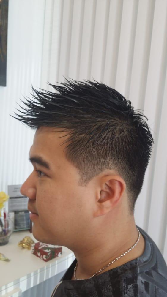 Men Cut W/Shampoo & Style