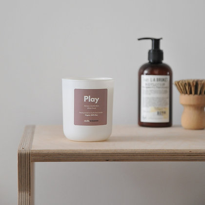 Play | Berries, White Florals & Vanilla