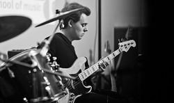 E-Bassunterricht Duisburg