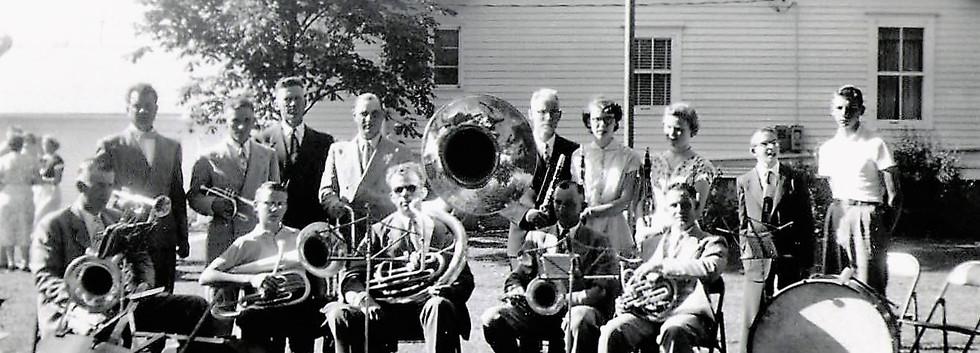 10 Band at.JPG