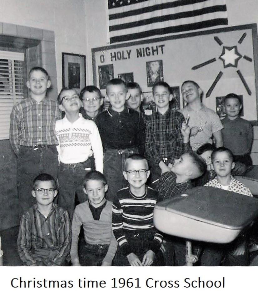 16 1961 Christmas.JPG
