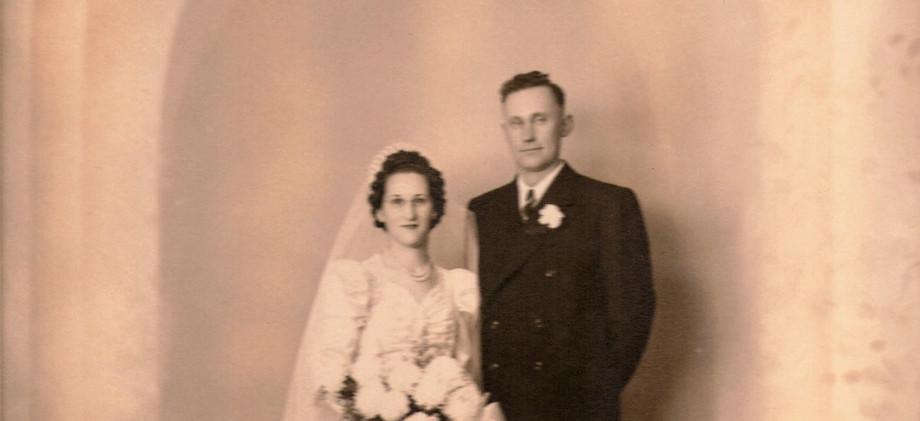 1950aa  Bill and Edna Schulz Nov 28,1942
