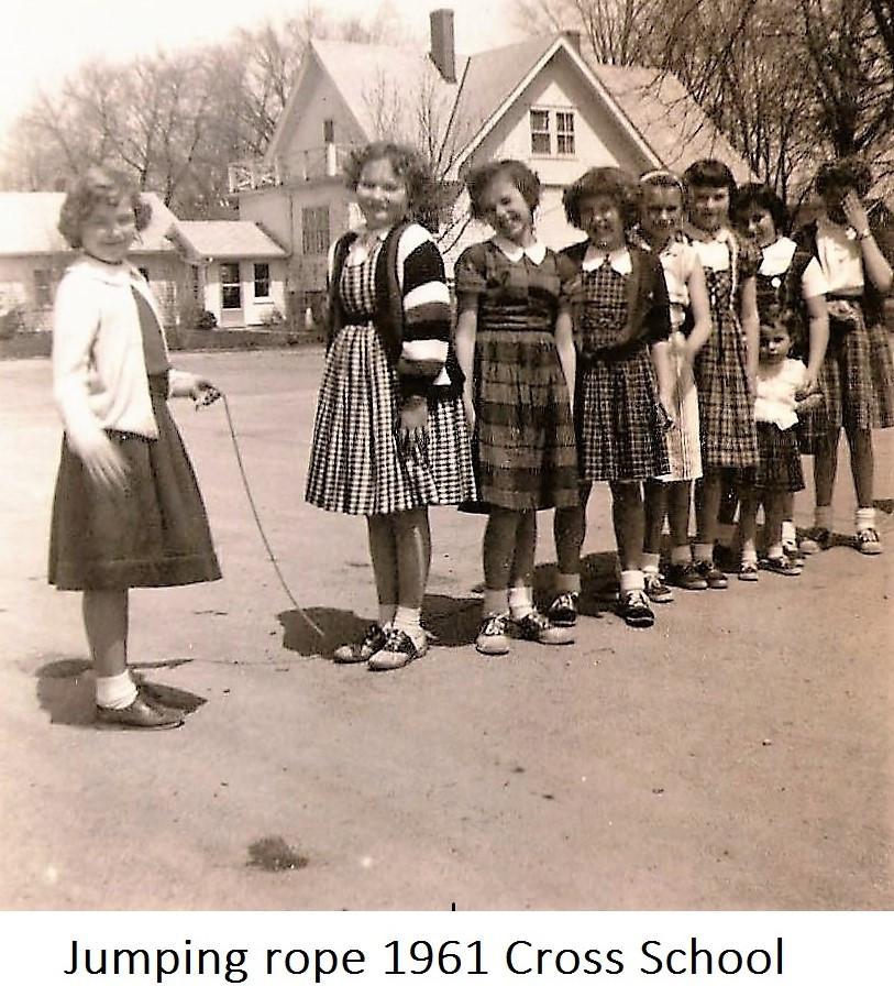 15 1961 Girls.JPG