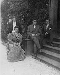 Booker T. Washington with his third wife Margaret and two sons, Ernest, left and Booker T., Jr., right