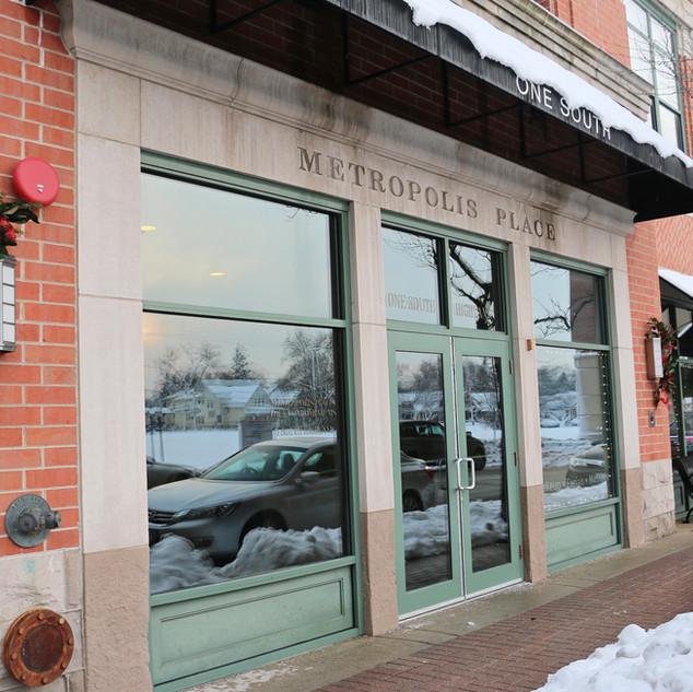 Main entrance located on Highland Avenue