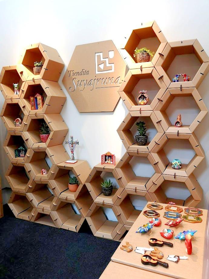 Stand ecológico de cartón elaborado para