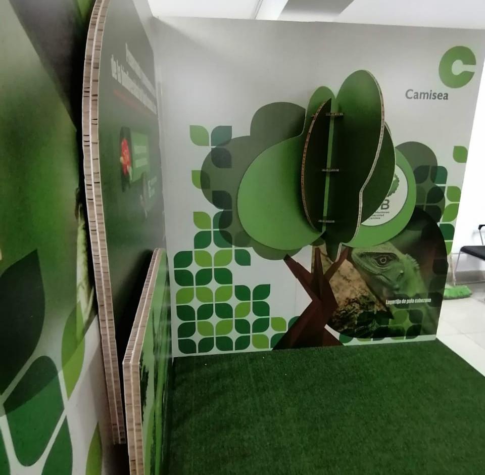 Stand Ecológico para Camisea