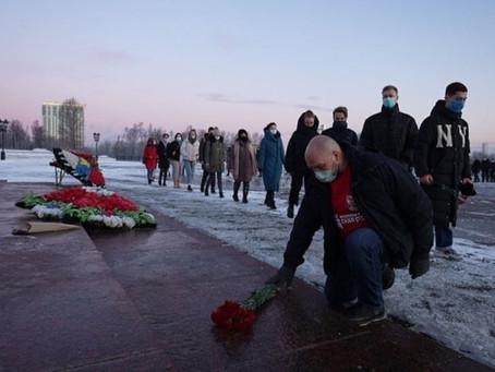 Активисты «Волонтерской Роты» почтили память павших в битве под Сталинградом