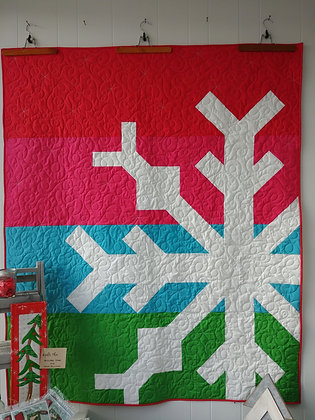 Modern Snowflake ready-made-quilt