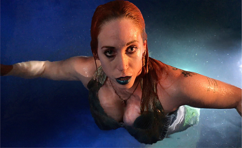 LED mermaid tank show