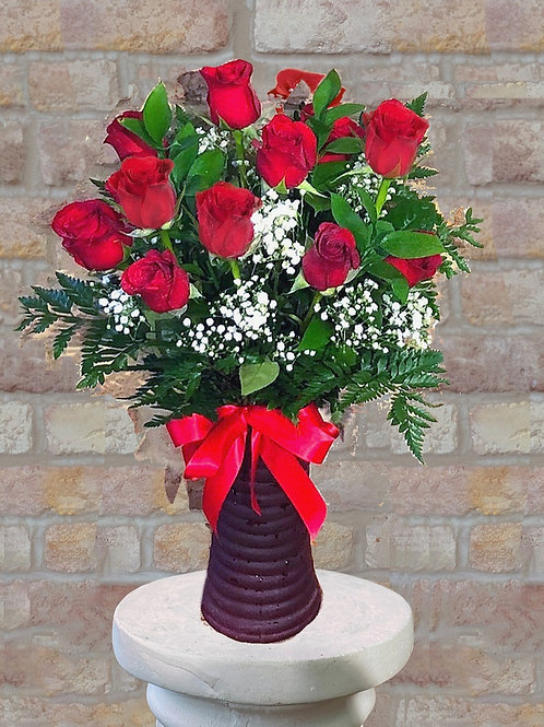 Radiant Dozen Red Roses