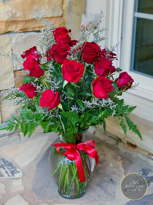 Classic 18 Red Roses