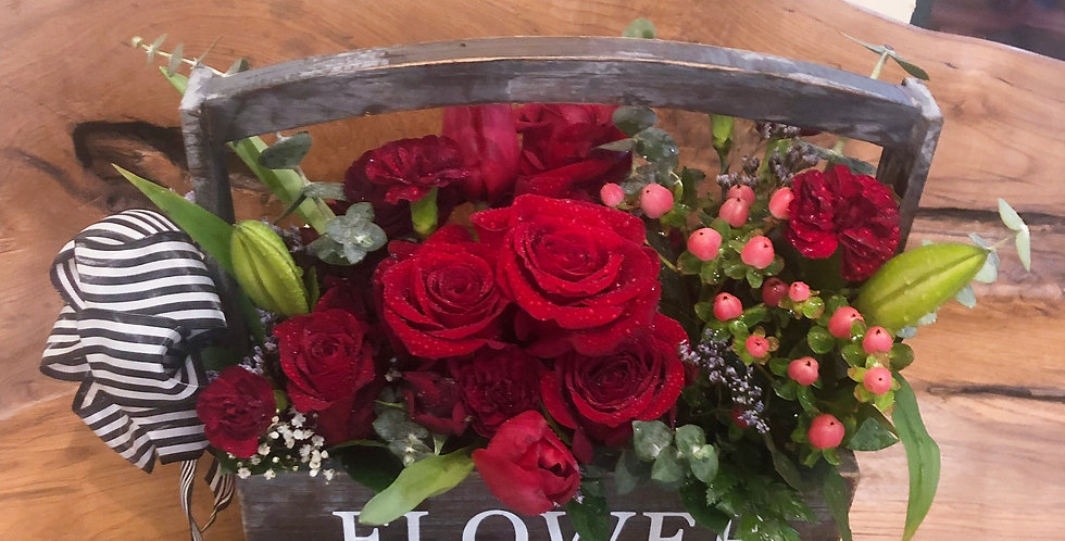 Roses & Berries Box