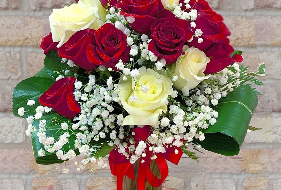 Roses in Red & White Bouquet