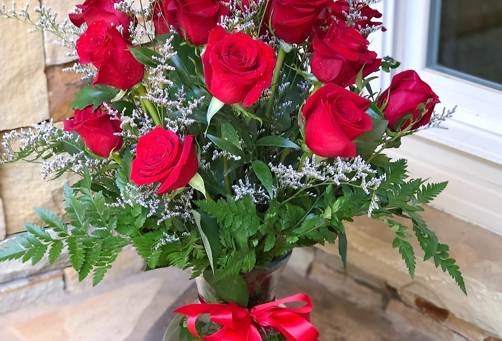 Exotic 18 Red Roses