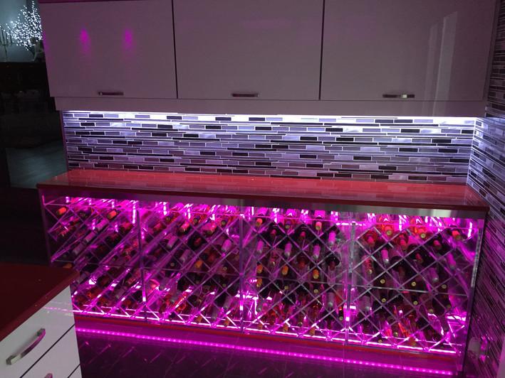 Cellier en acrylique rétro-éclairés