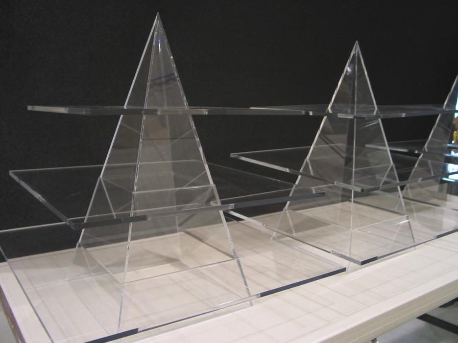 présentoir à gâteaux en plexiglass sur mesure